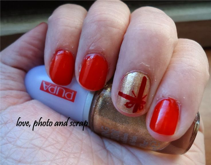 Love, photo and scrap #7daysmakeupnails #christamasnails http://lovephotoandscrap.blogspot.it/2013/12/7daysmakeupnails-2.html