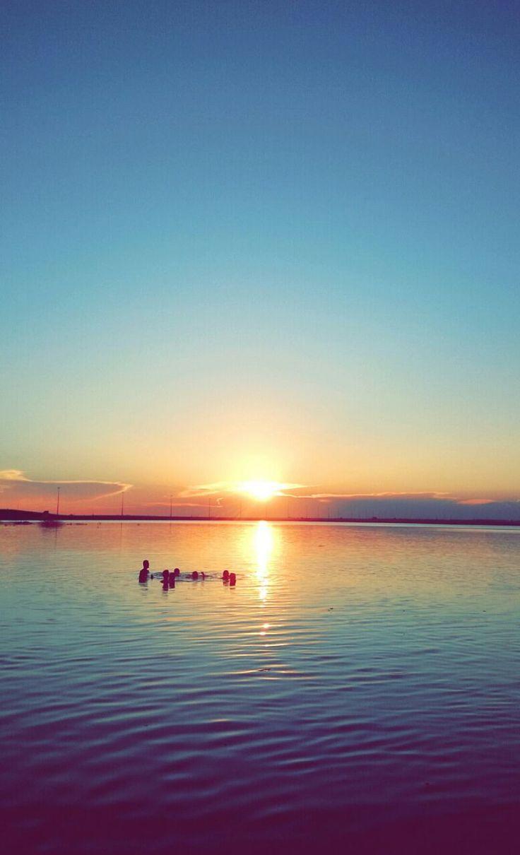 Prainha, em Ilha Solteira -SP. Rio Paraná. Lugar lindo e as companhias maravilhosas!  Foto: Hebert Borges.