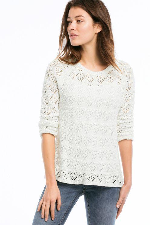 Mønsterstrikket trøje med flot slids i nakken med bindebånd. Længde ca. 62 cm i str. 38/40. <br><br>100% bomuld<br>Pasform: regular<br>Skånevask 40°