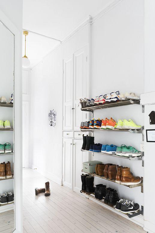 PLAZA Interiör | Shoe rack hallway
