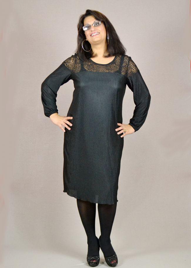 φόρεμα από πλισέ ύφασμα και δανδέλα