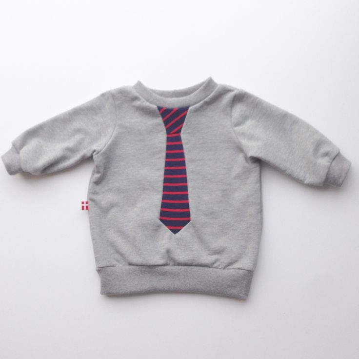 I still like my tie patchwork sweatshirt, I have made for more than 10 years now. For both babies, children and adults. Line Hvass vitavass.com