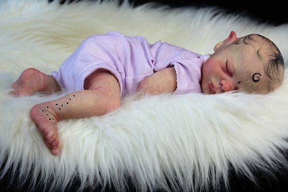 Fait sur mesure bébé fée peint ou enracinée par LittleBlessingsLLD