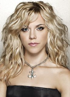 I declare a truce with my wavy hair - I need some layers. (Kimberly Perry of The Band Perry)