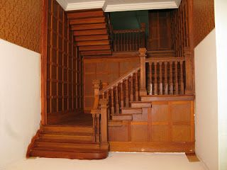 Late Victorian English Manor Dollhouse: 1/12 Miniature from Scratch: Grand Staircase