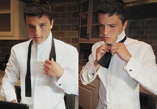Josh Hutcherson.Ties Bows Ties, Middle Schools, Buildings A Bears, Josh Hutcherson, God, The Hunger Games, Bow Ties, Dresses, Bowties