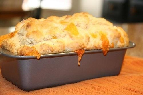 Cheese bread like red lobster in loaf pan: quick bread, no yeast, loaded w cubes of cheddar