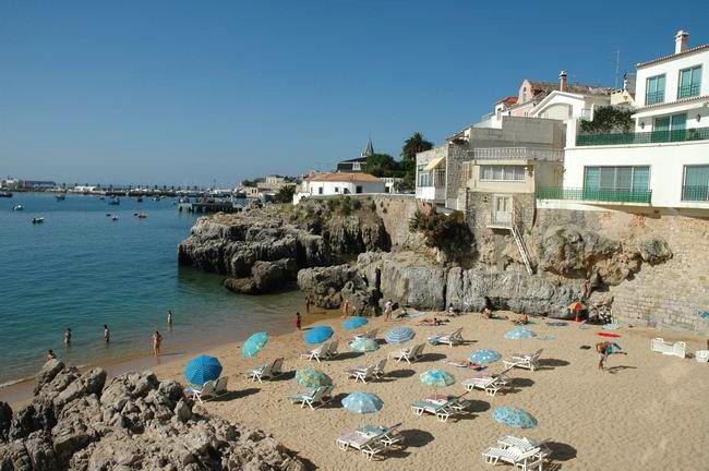 Praia da Rainha  Najlepsze i najpiękniesze plaże wokół Lizbony – mapa + informacje: http://infolizbona.pl/?p=1640 Jak dojechać na plaże w Lizbonie i okolicach [Mapa + aktualne ceny]: http://infolizbona.pl/?p=2712