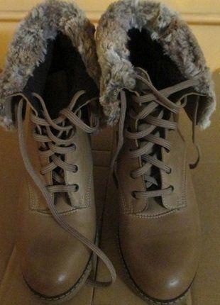 Kup mój przedmiot na #vintedpl http://www.vinted.pl/damskie-obuwie/kozaki/16172577-przepiekne-skorzane-miodowe-traperki-rozm39-na-solodnym-wysokim-obcasie-sloninka-futerko