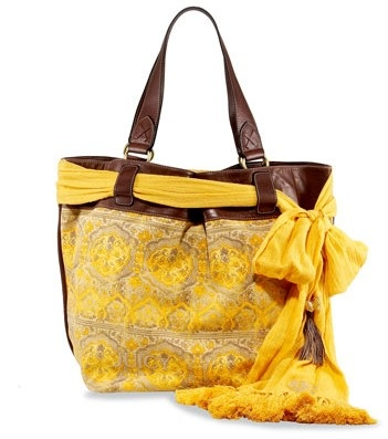 Colorido bolso de playa.