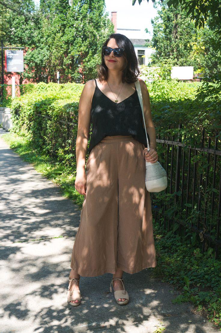 The perfect summer outfit! Flint Pants + Ogden Cami = yasssss https://closetcasepatterns.com/ogden-cami-flint-pants/