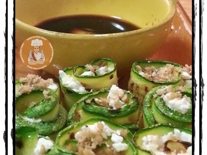 Ho già preparato il sushi con diversi ingredienti, carne cruda, bresaola, salmone affumicato, ma mai con le verdure. Ecco quindi un gustosissimo piatto vegetariano, che con pochi accorgimenti può anche diventare vegano, con pochi e semplici...