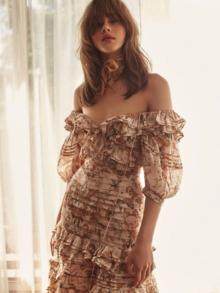 Editorial:The Painted Heart Folds Bodice and Fold Midi Skirt from our Resort 18 Ready-to-Wear Collection features in the current edition of ELLE Australia?.The outfit is now available instore and online.