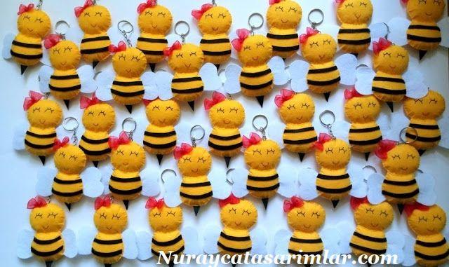 Nuraycatasarımlar: Keçe'den Mini Mini Kız Arılar