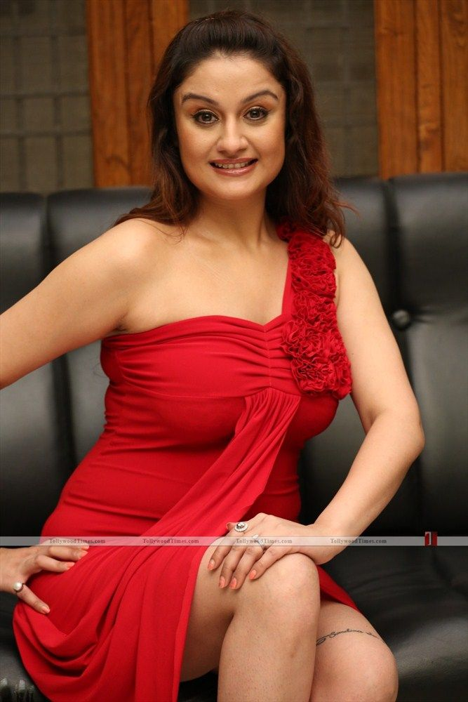 Sonia Agarwal New Stills :-  Click here for more photos:- http://www.tollywoodtimes.com/en/album/fullphoto/l0tyhk0hos/64431
