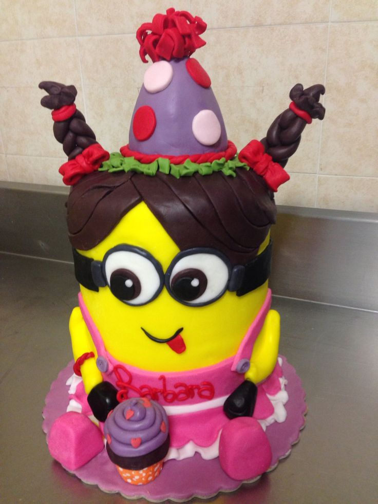 Cake minions girl