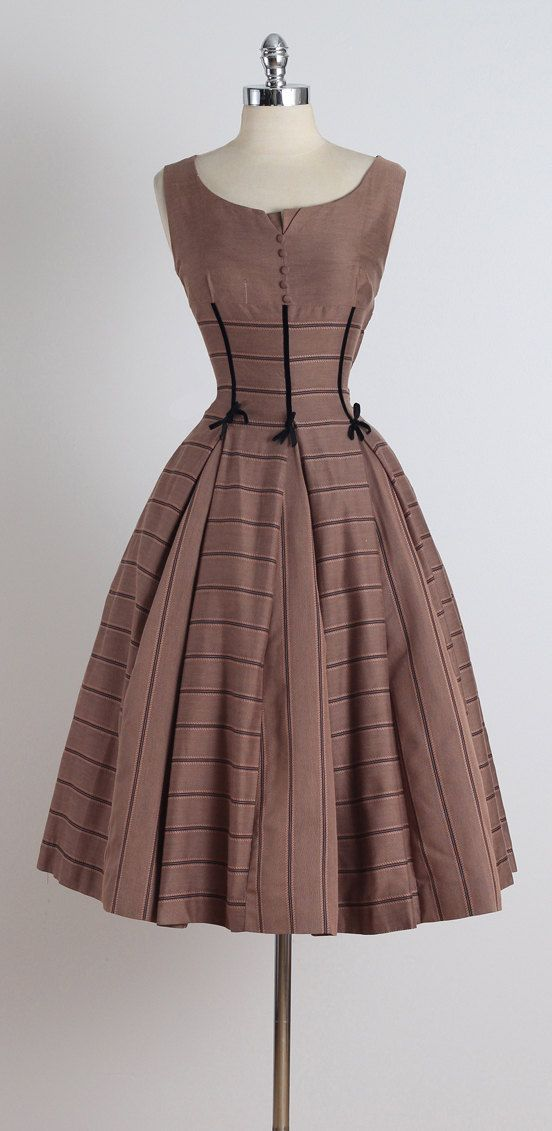First Toast . vintage 1950s dress . vintage by millstreetvintage