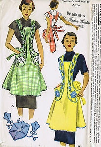 "SIZE MEDIUM 18-20 BUST 36-38""    McCall's Pattern  Pattern Number 1577  Copyright: 1950    Vintage 50's Cobbler Apron Pattern    This Cobbler Apron pattern features tie end closing."