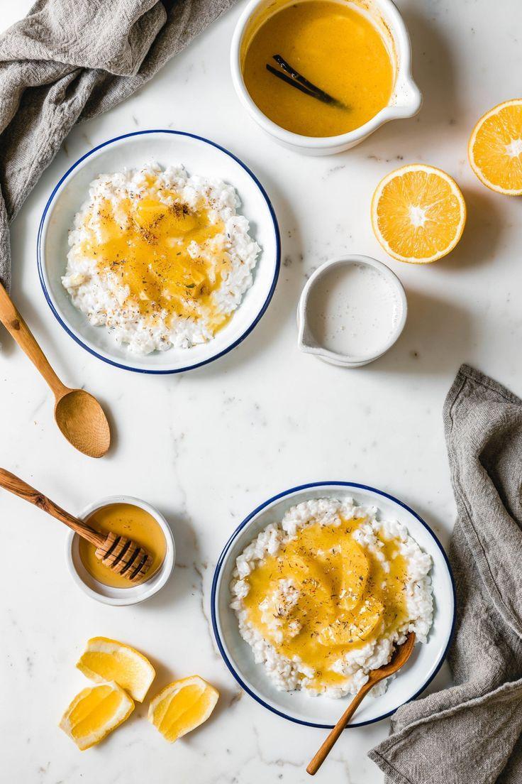 Nordisches Reisporridge mit Vanille & gewürzter Orangensauce