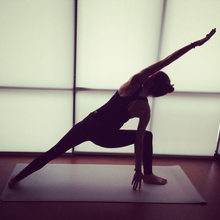 Utthita parsvakonasana - yoga amelia raun yoga