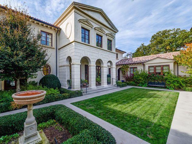 Inside nashville 39 s 15 million dollar home nashville for Luxury million dollar homes