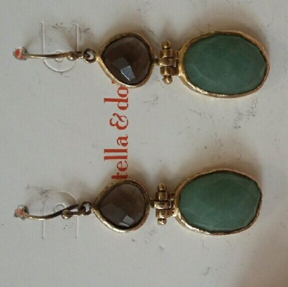 Stella and Dot earrings These are a pair of a poplar design by Stella and Dot. Some tarnishing that is why they are priced so well ?? Stella & Dot Jewelry Earrings