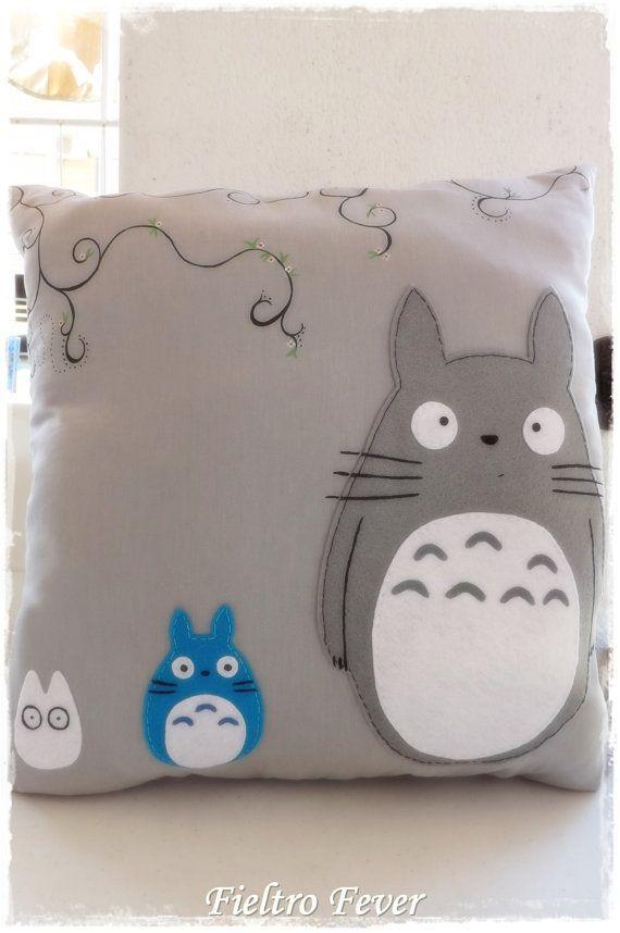 Schone Kissen Von Hand Gefertigt Bestehen Die Totoros Aus Filz