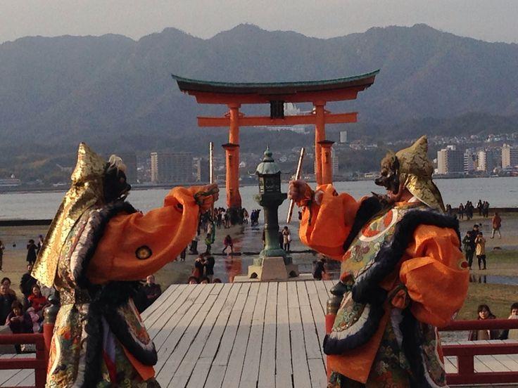 Bugaku  厳島神社