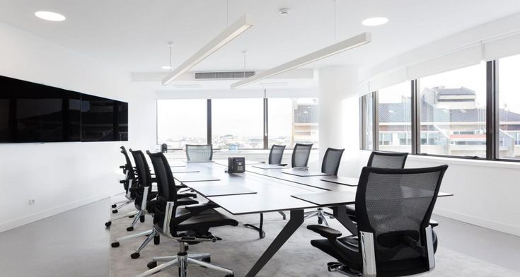 Meeting room into the premises of JLL in Lisbon, Portugal