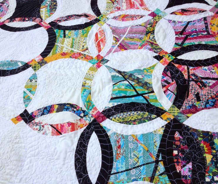 Jehnny and the Boys: Double Wedding Ring Quilt Finished