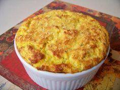Ingredientes   1/2 kg de cenoura  3 unidade(s) de gema de ovo  3 unidade(s) de clara de ovo em neve  3 colher(es) (sopa) de ...