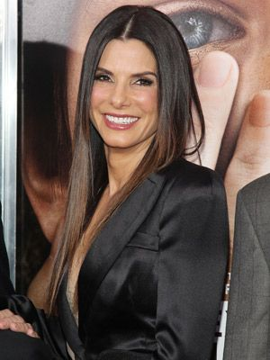 SHE IS SO LOVELY...... COMFORTABLE TO BE HERSELF..... WHAT A GEM.....Sandra Bullock