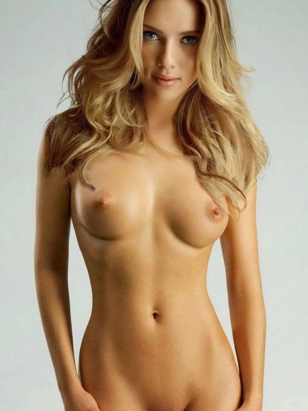 Scarlett Johansson Sexy Naked Pics