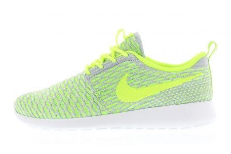 Nike Wmns Rosherun Flyknit