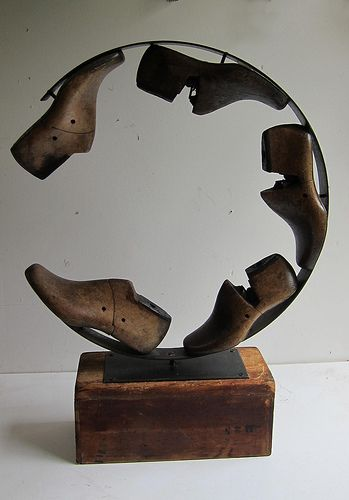 colornotes: Shoe.lasts.circle (by urban-objects) Aaron Kramer