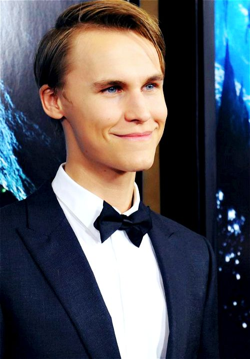 Found on Google from fuck-yeah-rhys-wakefield.tumblr.com