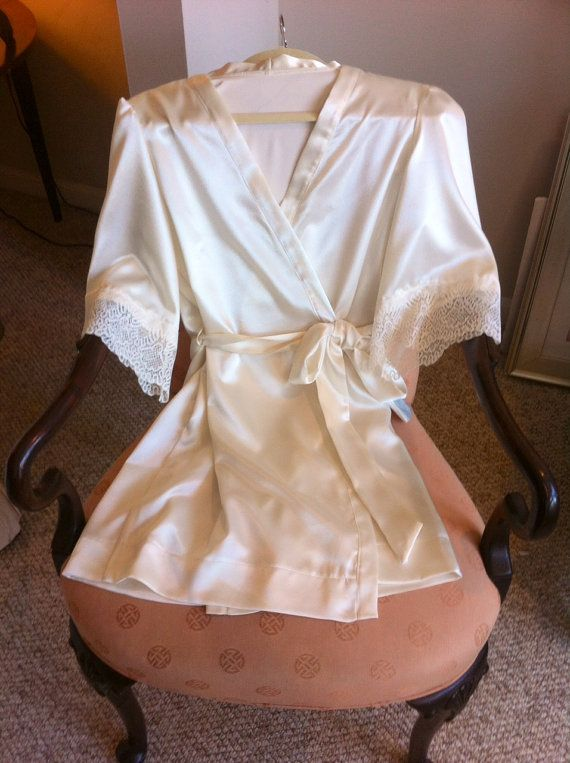 Satin Wedding Robe with FRENCH lace and pockets, dressing gown, bridesmaids robes, bridesmaids gifts, lingerie show gift