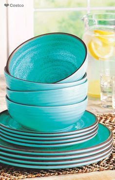 Pretty blue plates and bowls for your summer dinner parties!  Summer | Summer Maternity Style | Summer Fashion | Summer Chic | Blue Ocean | Ocean | Ocean Photography | Summer Vacation | Summer Style | Summer Trend | Summer Plates | Summer Dinnerware | Blue Dinnerware