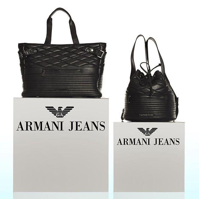 L'#eleganza di #Armani è fatta per essere ricordata e le #borse della linea jeans ne sono un esempio. Voi quale preferite? La borsa #shopping 100% cotone oppure il secchiello che diventa anche un pratico #zaino ? #ootd #outfitoftheday #outfidgrid #outfits #totallook #style #styleblogger #styleblog #instalook #instafashion #instastyle #instatrend #picoftheday #weardaily #womanweardaily #dailyfashion #instagirl #instablonde #blondegirl #followforfollow #fashiondaries #fashion #moda #CityModa