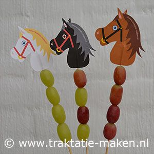 Treat: hobbyhorses with fruit