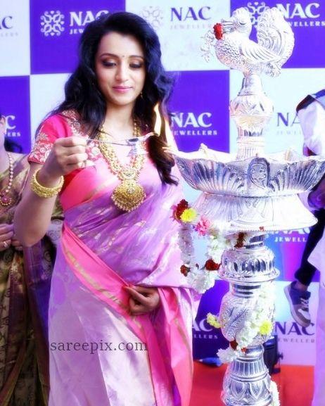 Actress-Trisha-silk-saree-NAC-jewellery-launch-Kanchipuram