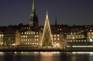 "How to Say ""Merry Christmas"" in Swedish"