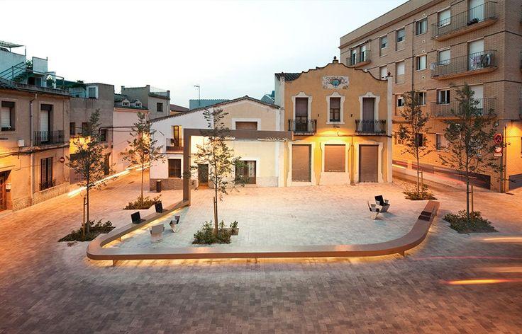 Plaça Ripollet by Franc Fernandez | 谷德设计网