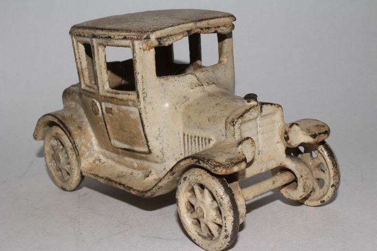 1920's Arcade Cast Iron Model T Ford Coupe