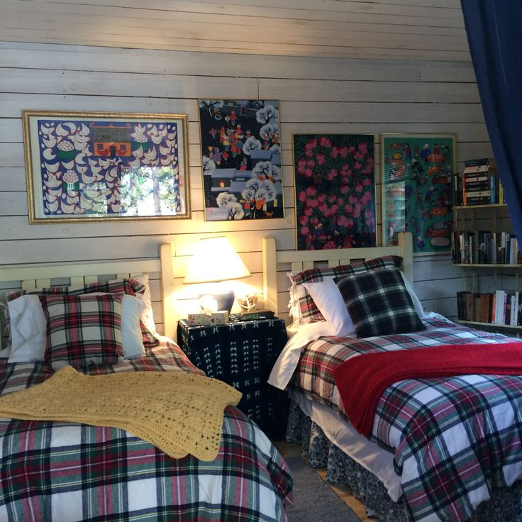 Room for 2...how cozy for the winter with the Royal Stewart tartan!