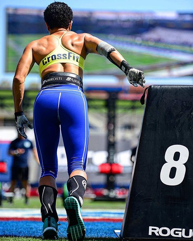 Jacqueline Jane´t, (Masters Women 50-54) at the start of California Club: 8 deadlifts 40 GHD sit-ups 80 double-unders 4 rope climbs 80 wall-ball shots 4 rope climbs 80 double-unders 40 GHD sit-ups 8 deadlifts #crossfit #crossfitgames #crossfitmasters @supercleary