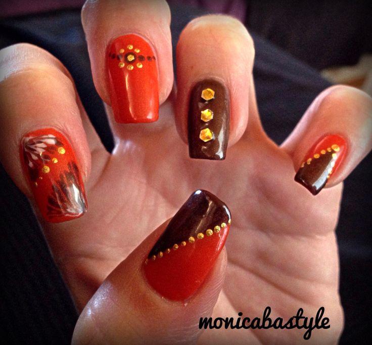 Manicura otoño en naranja