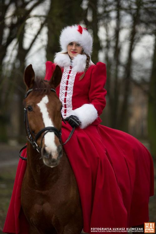 lamus-dworski:  17th/18th-century costumes of Polish szlachta [nobility] © Łukasz Klimczak / Heart Attack Photography.