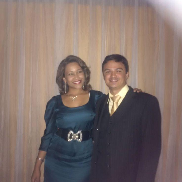 Junto a la Soprano Rosa Martínez tras haber cantado en la Gala Lírica en celebración del Aniversario 45° de Trayectoria Artística de la Mtra. Norma Herrera.
