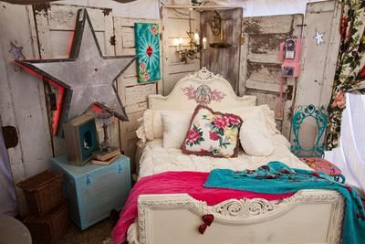 LOVE this romantic vintage styled bedroom look by the Junk Gypsies. See MORE of this bedroom makeover here >> http://www.greatamericancountry.com/shows/junk-gypsies/trash-to-treasure-projects-from-the-junk-gypsies-pictures?soc=pinterest